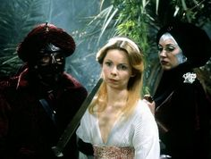"""""""The Creature from the Pit"""" - Lalla Ward looks pretty but doesn't really look like Romana in this dress. 4th Doctor, First Doctor, Mary Tamm, Lalla Ward, Jon Pertwee, Doctor Who Companions, Bbc America, Female Doctor, Gifts For Photographers"""