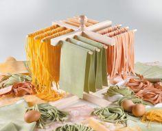Imperia Stendipasta in faggio naturale. Per stendere la pasta ad asciugare in attesa che l'acqua bolla.