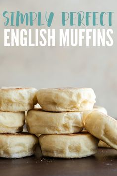 English Muffins This English muffin recipe is simple and will give you soft, chewy muffins in no time.This English muffin recipe is simple and will give you soft, chewy muffins in no time. English Muffin Recipes, Homemade English Muffins, Homemade Muffins, English Muffin Breakfast, English Muffin Bread, Breakfast Cake, Homemade Breads, Simple Muffin Recipe, Easy Bread