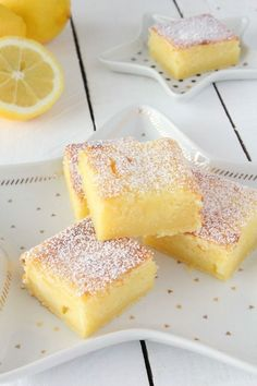 Today I'm offering a lemon fondant recipe. Recipe for 6 people Preparation: 20 min Cooking … Lemon Desserts, Lemon Recipes, Mini Desserts, Easy Desserts, Sweet Recipes, Gateau Cake, Cookie Recipes, Dessert Recipes, Biscuit Cake