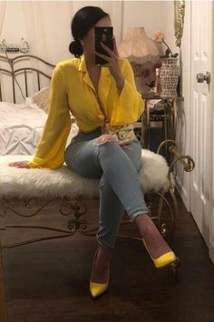Outfit with heels IG: bold.beautycollective❄️ Smart casual outfit - Sites new Smart Casual Outfit, Outfit Chic, Classy Outfits, Stylish Outfits, Casual Heels, Mode Outfits, Fall Outfits, Summer Outfits, Fashion Outfits