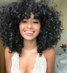 Hair Care Tips That You Shouldn't Pass Up – Hair Extensions Remy Short Curly Hair, Curly Hair Styles, Natural Hair Styles, Curly Wigs, Pretty Hairstyles, Hairstyles With Bangs, Perfect Hairstyle, Hairstyle Ideas, Pretty Hair Color