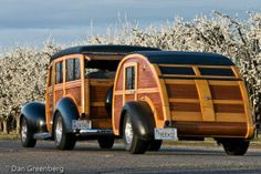 "1940 Ford Woody Station Wagon and matching teardrop trailer. ~ Mik's Pics ""Era Automobiles l"" board Vintage Rv, Vintage Trucks, Vintage Campers, Vintage Airstream, Classic Trucks, Classic Cars, Chevy Classic, Travel Photographie, Automobile"