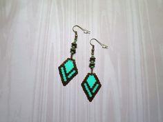 696 - Boucles d'oreilles, motif ethnique, vert, marron, bronze : Boucles d'oreille par tout-en-boucles