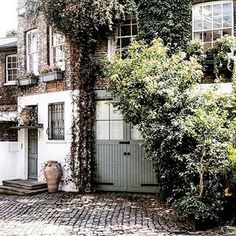 Discover 20 of the most charming British mews on Instagram collected by @mewsingsldn on HOUSE - design, food and travel by House & Garden