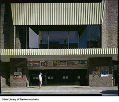 222019PD: Cinecentre, corner of Murray and Barrack Streets, Perth, 1975