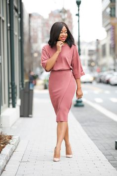 African fashion is available in a wide range of style and design. Whether it is men African fashion or women African fashion, you will notice. Office Outfits For Ladies, Casual Work Outfits, Work Attire, Work Casual, Stylish Outfits, Outfit Work, Office Attire, Casual Office, Office Chic