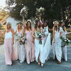 In ❤ ❤ with this Photo. - TAG a friend who'd love this ❤ ��. - Photo : Please DM, we can't find the photographer. Via @engagedlife. - Ads and PR Info ⤵ HELLO@weddingphotomag.com and DM  #weddingphotomag http://gelinshop.com/ipost/1522781631600862590/?code=BUiAdNuDyV-