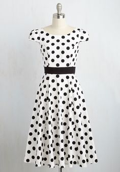 This '50s-inspired frock is made to hop!