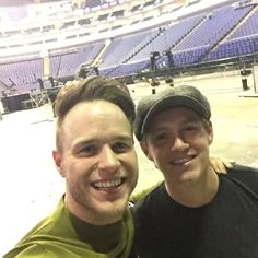 Niall Horan with Olly Murs!