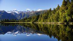 Mirror reflection of Mount Cook highest mountain in New Zealand. [OC] [6000  3376] -settlerofcattin