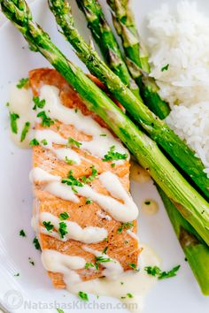 Oven Baked Salmon with flavorful and simple lemon cream sauce. Lemon beurre blanc, will be your secret weapon for seafood recipes. Gourmet flavors at home! What to substitute for white wine? Baked Salmon Lemon, Oven Baked Salmon, Baked Salmon Recipes, Fish Recipes, Seafood Recipes, Diner Recipes, Cooking Recipes, Oven Recipes, Salmon With Cream Sauce