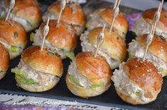 Salmon recipes 766878642779406903 - mini burger froid au thon Source by Mini Hamburgers, Mini Sandwiches, Brunch Buffet, Hamburger Meat Recipes, Party Finger Foods, Inexpensive Meals, Profiteroles, Eat Smart, Salmon Recipes