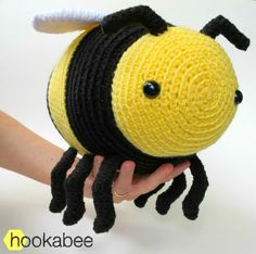 Paid. Bobby the bumble bee amigurumi crochet pattern by @hookabee crochet