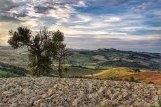 Valle dell'Aso in Southern Le Marche #marche #lemarche #italy #carassai #roccamontevarmine #asovalley #valdaso