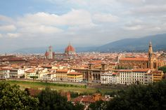 フィレンツェが一望できる、「ミケランジェロ広場」の丘です。