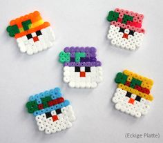 Hama Weihnachten - Spielwaren-Kröll in Gänserndorf Perler Bead Ornaments Pattern, Easy Perler Bead Patterns, Perler Bead Templates, Pearler Bead Patterns, Diy Perler Beads, Perler Bead Art, Hamma Beads Ideas, Christmas Perler Beads, Hama Beads Design