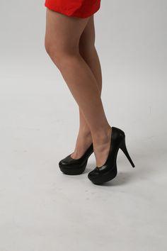 Black Pumps, Kitten Heels, Footwear, Facebook, Shoes, Fashion, Moda, Zapatos, Shoe