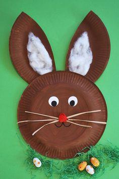 Osterhase aus Papptellern - http://Kinderspiele-Welt.de