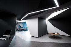 Construido por Salon Architects en Istanbul, Turkey con fecha 2013. Imagenes por Büşra Yeltekin. CTHB Law Officees un espacio reformado en el interior de un edificio de oficinas que se estructura dentro de una típ...