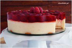 Ciasto z kaszy manny z owocami i galaretką bez pieczenia idealne na letnie dni. Przepyszny deser ze słodką masą grysikową, świeżymi malinami oraz galaretką.