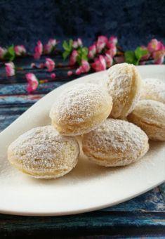 Kókuszdiócska recept Cookie Desserts, Sweet Desserts, Sweet Recipes, Cookie Recipes, Dessert Recipes, Hungarian Desserts, Hungarian Recipes, Twisted Recipes, Walnut Cookies