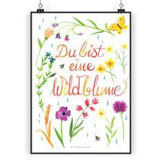 Poster DIN A5 Du bist eine Wildblume aus Papier 160 Gramm  weiß - Das Original von Mr. & Mrs. Panda.  Jedes wunderschöne Poster aus dem Hause Mr. & Mrs. Panda ist mit Liebe handgezeichnet und entworfen. Wir liefern es sicher und schnell im Format DIN A5 zu dir nach Hause. Die Größe ist 148 x 210 mm.    Über unser Motiv Du bist eine Wildblume  Frauen sind wie Wildblumen - sie sind frei, ungezähmt, natürlich, widerstandsfähig,, wild und wunderschön.    Verwendete Materialien  Es handelt sich…