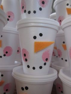 snowman cups to put treats in to share - pics and instructions maybe put gourmet hot chocolate fixin's inside or donut holes for the Winter Sledding Night Christmas Projects, Holiday Crafts, Holiday Fun, Chrismas Crafts For Kids, Holiday Quote, Thanksgiving Holiday, Christmas Ideas, Simple Christmas, Winter Christmas