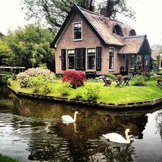 Giethoorn, Holland by Serenat Tanaçan