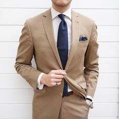 Raddestlooks: The Best Men's Fashion Outfit Collection. The inspiration that you need. Best Mens Fashion, Mens Fashion Suits, Mens Suits, Terno Slim, Gentlemen Wear, Classy Men, Suit And Tie, Business Outfits, Mens Clothing Styles