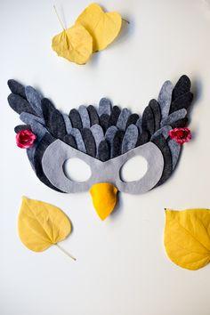Free Felt Animal Mask Patterns by Anne Weil of Flax & Twine - Owl Mask