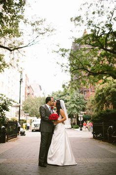 BrideandGroom Kissing In BrooklynHeights Brooklynwedding Weddingphotography