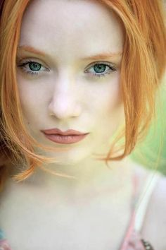 If you are looking for pale skin… Cheveux Oranges, Stunning Redhead, Wedding Day Makeup, Ginger Girls, Just Beauty, Redhead Girl, Strawberry Blonde, Pale Skin, Light Skin
