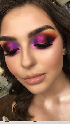 Younger Skin Is Yours With These Smart Tips - Eco Beauty Look Makeup Eye Looks, Glowy Makeup, Natural Eye Makeup, Beauty Makeup, Makeup Art, Natural Beauty, Beauty Tips, Purple Makeup, Colorful Eye Makeup
