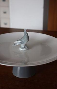 plateau grijze voet en duif