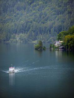 Hallstätter See (lake) near Salzburg, Upper Austria
