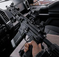 Military Weapons, Weapons Guns, Guns And Ammo, Tactical Rifles, Firearms, Favelas Brazil, Armas Wallpaper, Battle Rifle, Custom Guns