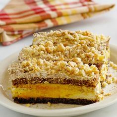 A Simple Pumpkin Tiramisu recipe that is both delicious and very easy to make. It's a great fall dessert recipe starring pumpkin. Fall Dessert Recipes, Fall Desserts, Cookie Desserts, Delicious Desserts, Yummy Food, Decadent Brownie Recipe, Brownie Recipes, Chocolate Recipes, Cake Recipes
