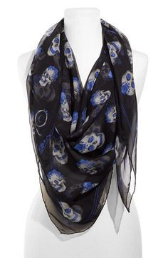 Alexander McQueen Scarf - I would love to have one of these Dark Fashion, Fashion Beauty, Womens Fashion, Alexander Mcqueen Skull Scarf, Alexandre Mcqueen, Chiffon Scarf, Facon, Dress To Impress, Just In Case