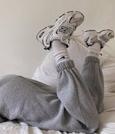 8 Random Trends That Are Definitely a Thing Right Now Winter Mode Outfits, Winter Fashion Outfits, Fall Outfits, Retro Outfits, Cute Casual Outfits, Jugend Mode Outfits, Aesthetic Shoes, Aesthetic Fashion, Spring Fashion Trends