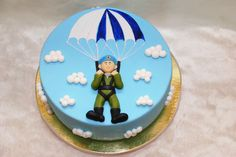 Parachute Army Cake, Cupcake Cakes, Cupcakes, Sport Cakes, Cakes For Men, Fondant, Iced Cookies, 90th Birthday, Fancy Cakes