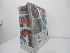 Veja como criar sacolas recicladas com jornal em um passo a passo super bacana! Espero que curta! Ne