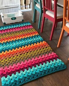 Crochet rug diy home Ideas Crochet Home Decor, Crochet Crafts, Yarn Crafts, Crochet Projects, Free Crochet, Diy Crafts, Chevrons Au Crochet, Crochet Rug Patterns, Crochet Stitches