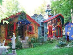 Luna Parc is the home and workspace of artistic genius Ricky Boscarino.