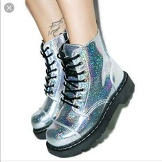 Leinen Reißverschlusstasche Tutorial – Jewellery For Lady Dream Shoes, Crazy Shoes, Cute Shoes, Me Too Shoes, Holographic Boots, Shoe Boots, Shoes Heels, Mode Kawaii, Girls Shoes