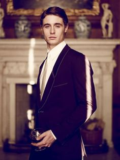 Max Irons. He looks so much like the younger version of his father in this picture.