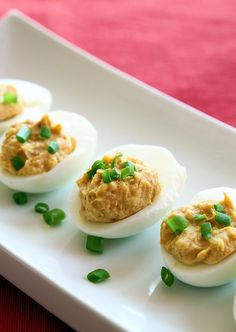 Fabulous Five Ingredient Curried Deviled Eggs from @kitchenmagpie