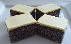 Poppy cubes with yolk icing NejRecept. Czech Recipes, Cake Bars, No Bake Cake, Nutella, Icing, Cheesecake, Good Food, Food And Drink, Brownies