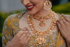 bridal jewellery ideas , bridal jewellery sets , bridal jewellery antique , bridal jewellery gold , bridal jewellery designs , bridal jewellery , bridal jewellery brides , bridal jewellery indian wedding Bridal Jewellery Boxes, Wedding Jewelry, Gold Eyeshadow, Jewelry Showcases, Floral Necklace, Uncut Diamond, Gold Bangles, Stone Earrings, Necklace Designs