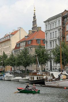 Christianshavn, Copenhagen, Denmark https://www.facebook.com/pages/Tante-Brocante-en-De-Dames-Van-Dale/110046885761851